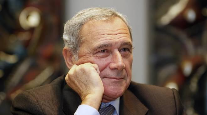"""Palermo, busta """"sospetta"""" per il presidente Piero Grasso fermata dalla Polizia"""