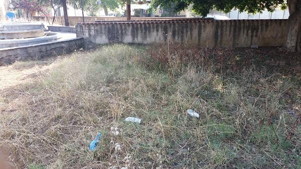 Aquino, la piazza è uno scempio: malaffari, rifiuti e degrado