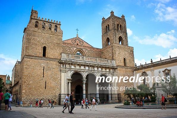 Apertura della Porta Santa al duomo di Monreale, il Prefetto vieta i fuochi artificiali