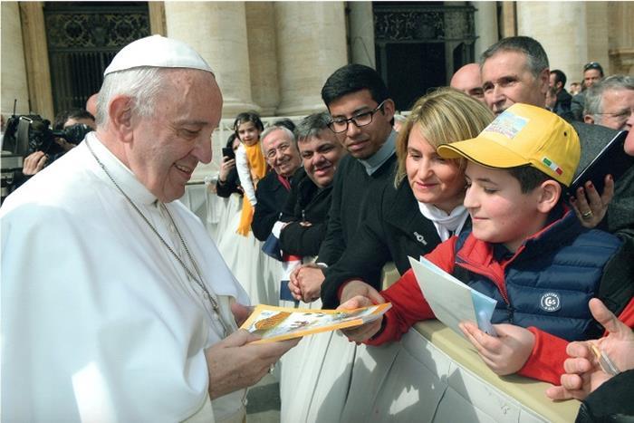 papa francesco delegazione bambini