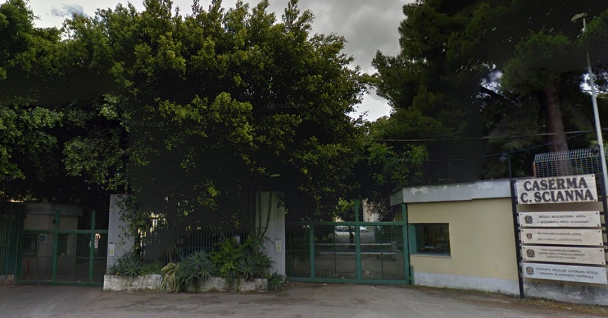 Palermo, rientrato l'allarme pacco-bomba davanti la caserma Scianna