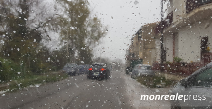 temperature giardini pioggia crollo temporali previsti nubifragio ciclone grandine