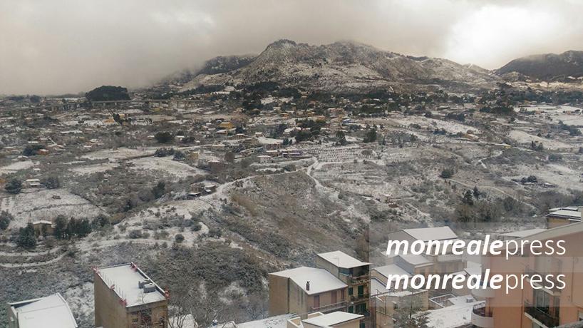 Monreale, arriva la neve: freddo e gelo ad inizio anno