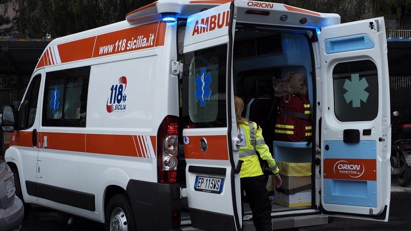 Incidente sulla Palermo-Sciacca: un'auto si ribalta al chilometro 42