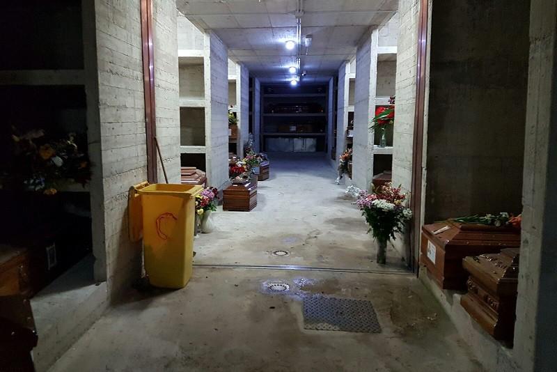 Monreale, al cimitero è sempre emergenza salme al deposito: sono oltre 100