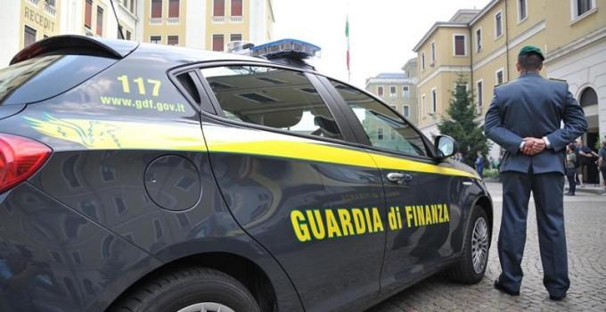 fatture ciancimino assenteismo evade mani cellulari dirigenti tossici appartamenti confisca cocaina
