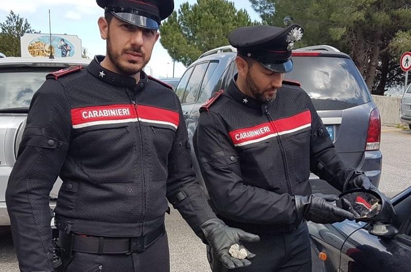Monreale, va male la truffa dello specchietto: i carabinieri denunciano 2 uomini