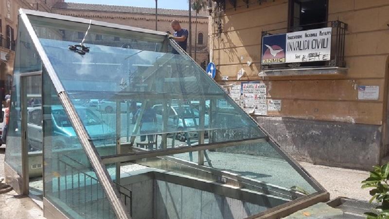 Piramide, manutenzione o rimozione. Il Comune decide