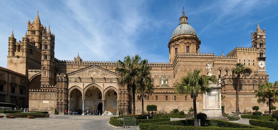 Festa di inizio anno per i giovani sul Sagrato della Cattedrale di Palermo