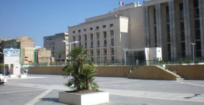 ricorso dei precari sentenza tasse palpeggiato macellaio bloccare condanna processo