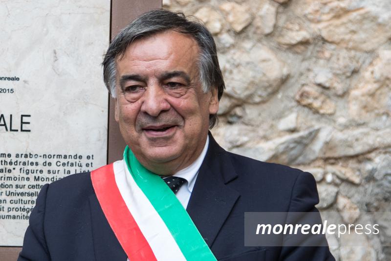 Leoluca Orlando resta sindaco di Palermo: bocciata mozione di sfiducia