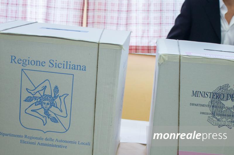 italia spoglio riserva compensi politiche