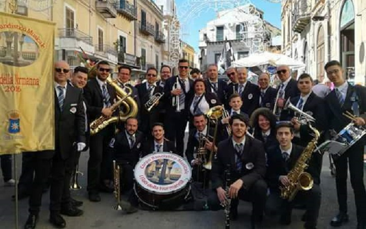 Alla processione dei Misteri di Trapani l'esibizione della banda musicale di Monreale