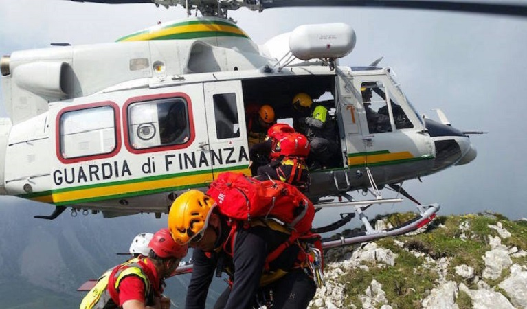 Lavoro, allievi della Guardia di Finanza per il Soccorso Alpino: ecco il bando