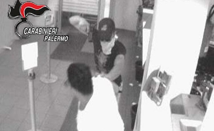 Monreale, tentarono rapina alle poste di via Aldo Moro: arrestati