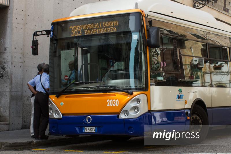 Palermo, arrivano i nuovi biglietti magnetici sui bus Amat. Ecco tutte le novità