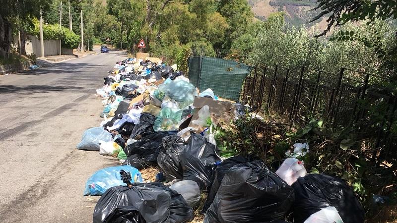Abbandono di rifiuti nelle strade di confine: Orlando scrive al sindaco Capizzi