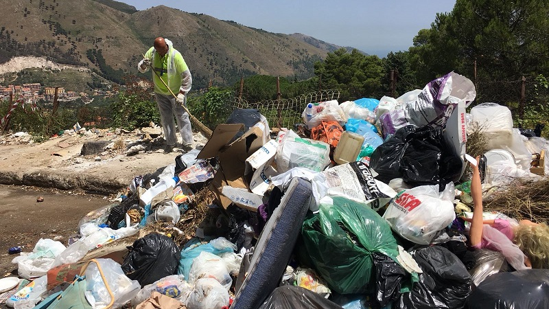 rifiuti-strada2