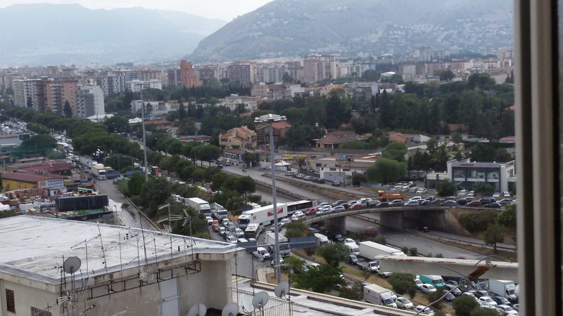 traffico-viale-regione-siciliana