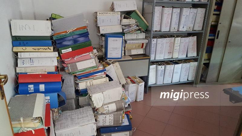 Monreale, documenti abbandonati e pronti per essere rubati: disastro all'ufficio tecnico