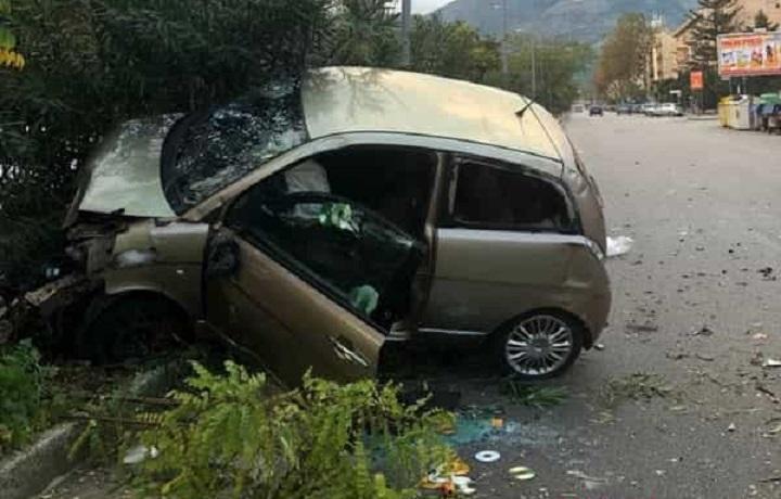 Legno Naturale Viale Regione Siciliana Palermo : Tragico schianto in moto in viale regione siciliana morto un uomo