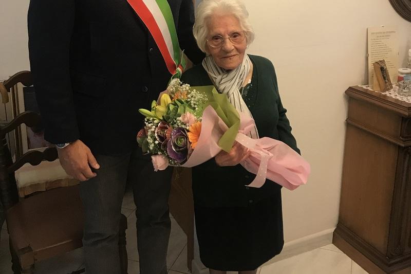 Grande festa a Monreale, la zia Giuseppina compie 103 anni