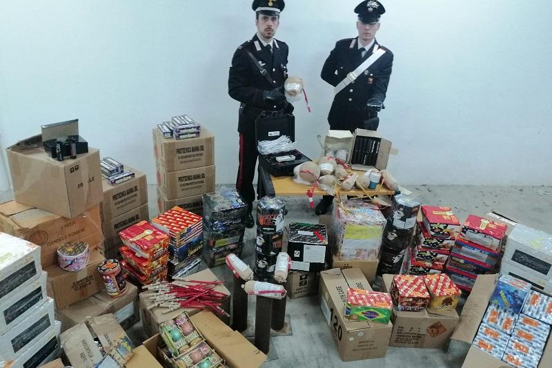 Botti illegali, a Palermo i carabinieri scoprono un deposito illegale: un arresto