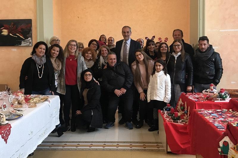 Dolci e artigianato, a villa Savoia la Fiera di Natale per realizzare una ludoteca per i bambini