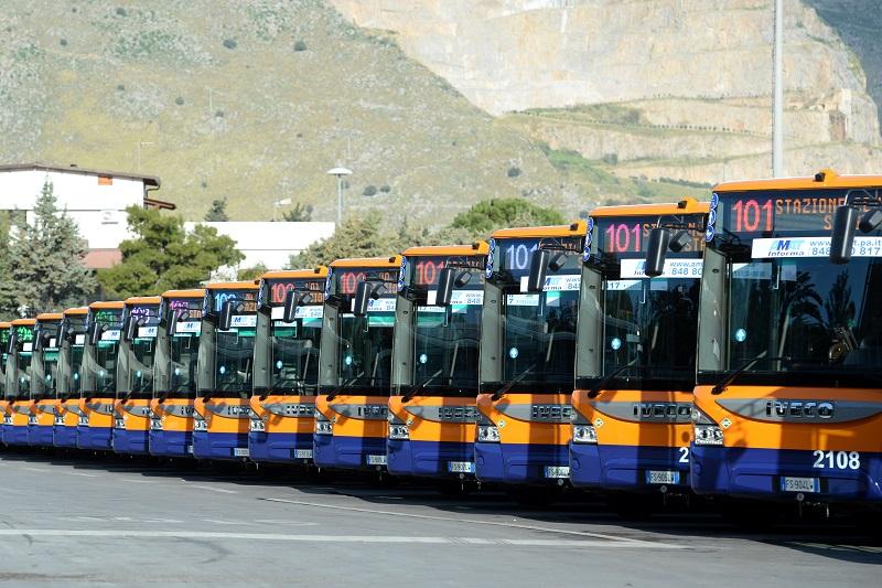 Palermo, la flotta di Amat si rinnova: consegnati 38 nuovi bus ecologici