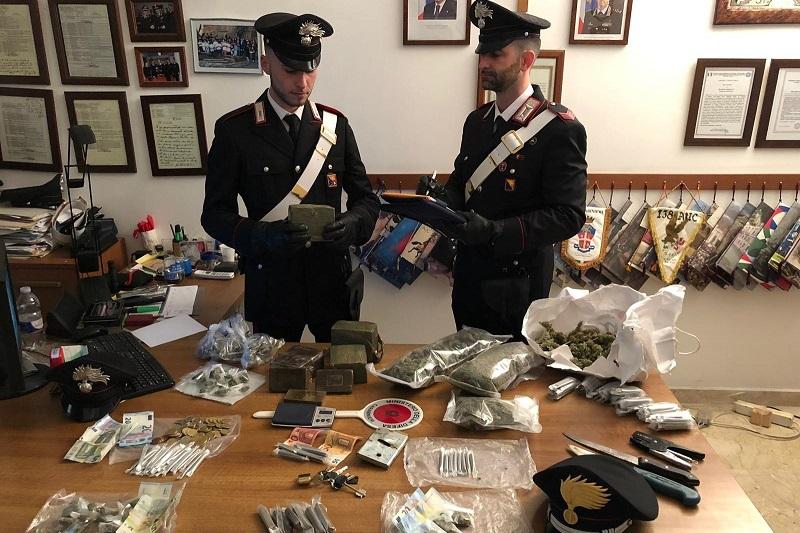 Palermo, sorpreso con oltre 4 chili di hashish nel box: arrestato 18enne