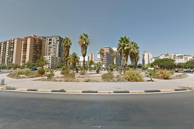 Palermo, clochard trovato morto in piazza Giovanni Paolo II