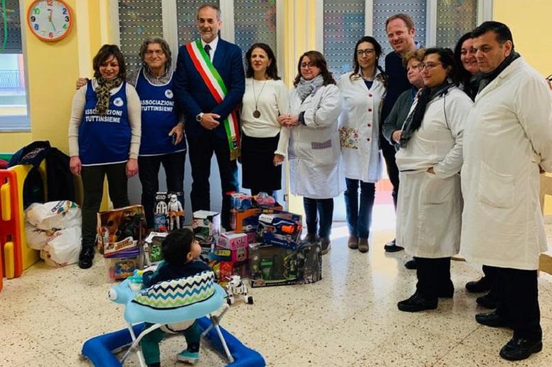 Monreale, l'associazione Tutti insieme Onlus dona giocattoli ai bimbi dell'asilo Giaccone
