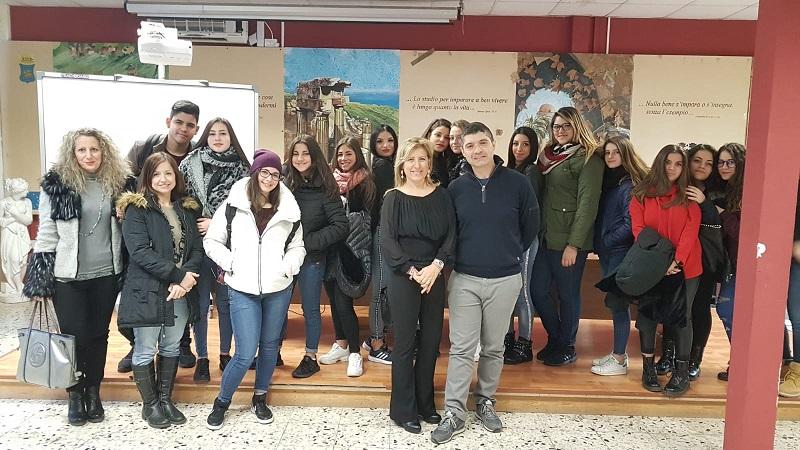 """Monreale, """"Educazione alla Salute"""" dell'istituto Basile-D'Aleo: convegno sulla postura"""