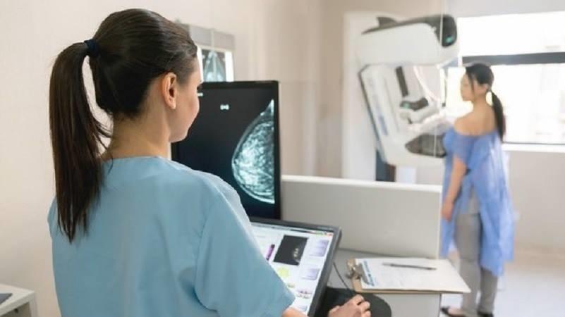 Tumore del seno, controlli gratuiti per le donne all'ospedale Ingrassia