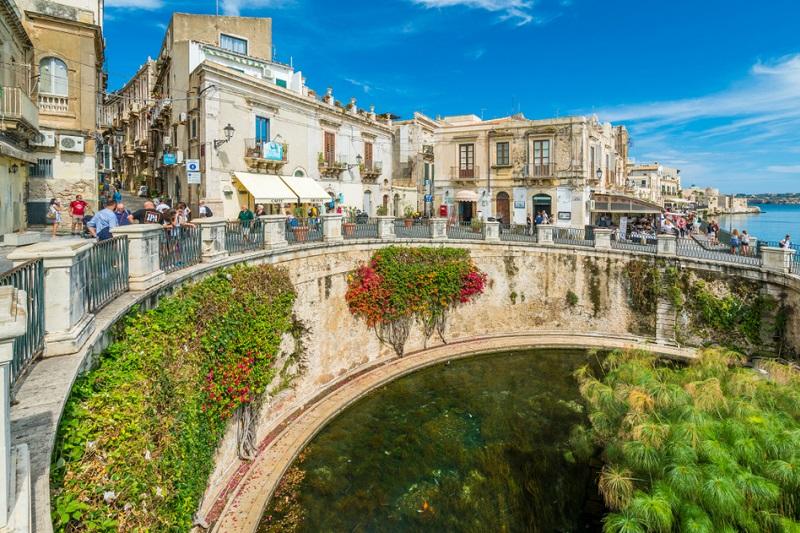 Non solo mare: la bellezza della Sicilia a tutto tondo