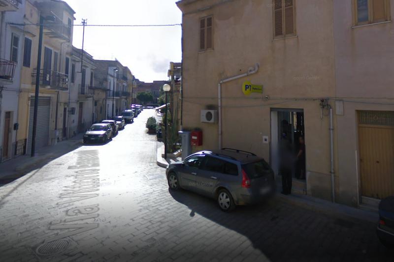 Grisì, l'ufficio postale aperto soltanto tre giorni a settimana: le proteste dei residenti