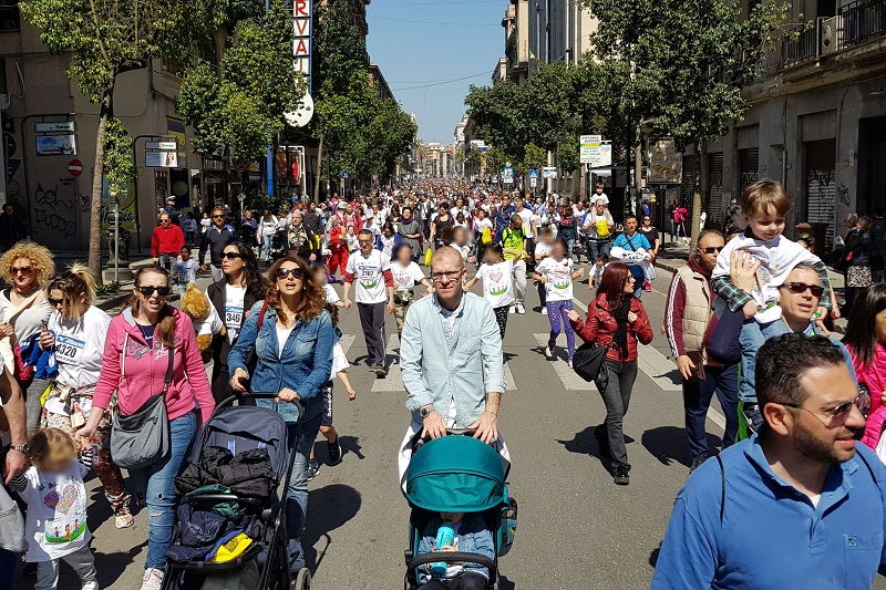 Strapalermo e Strapapà, oltre 15 mila persone in strada per la tradizionale passeggiata sportiva