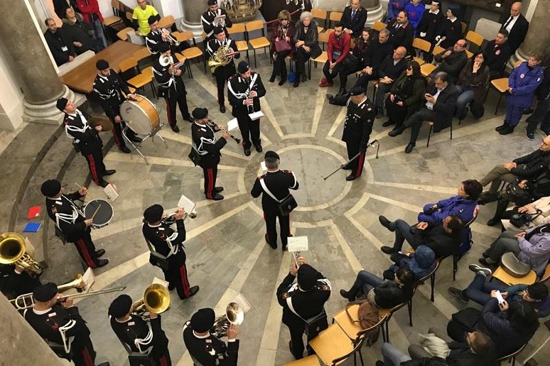 La Domenica Favorita, Fanfara dei Carabinieri rende omaggio al militare ucciso a Foggia