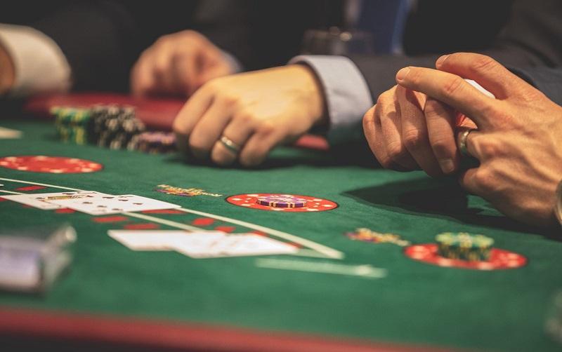 Vincere a poker: gli ingredienti del giocatore perfetto