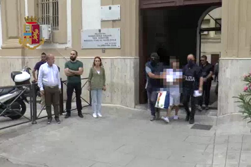 """I falsi incidenti e la banda degli """"spaccaossa"""": doppio blitz a Palermo"""