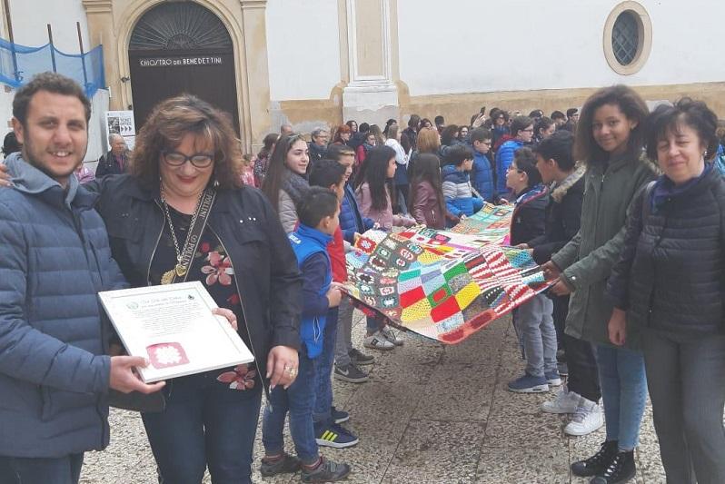 Sicilia e Calabria unite dalla Sciarpa della Pace: tappa a Monreale