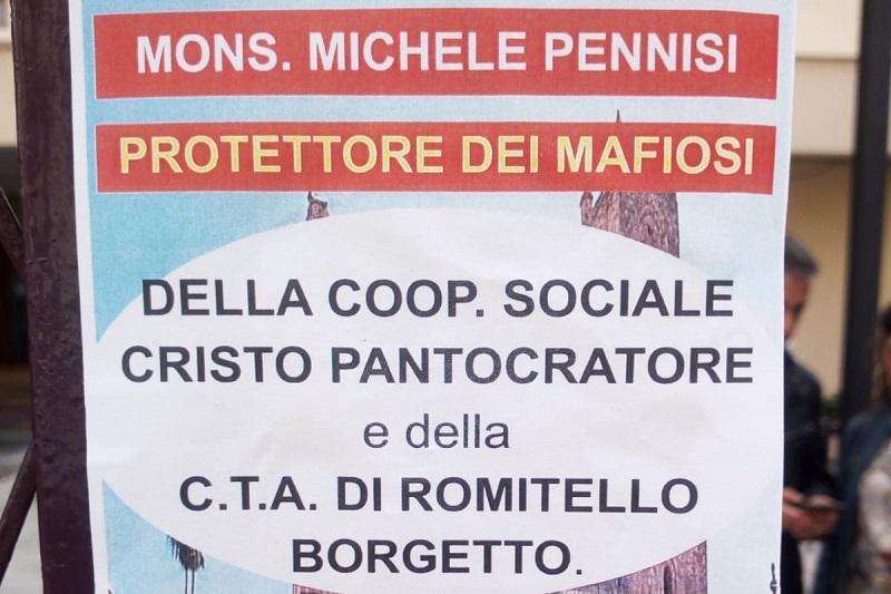 """""""Monsignor Pennisi protettore dei mafiosi"""": il volantino choc"""