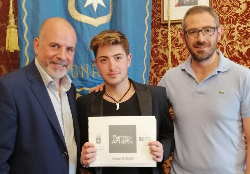 Borsa di studio per il giovane monrealese Pietro Messina: volerà all'Harrow School di Londra
