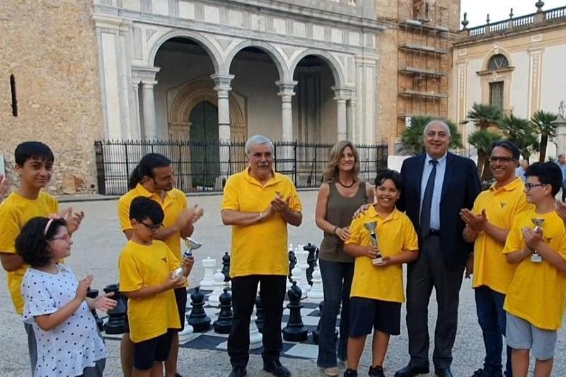 Settimana dello sport, l'assessore Lagalla premia i campioni di scacchi