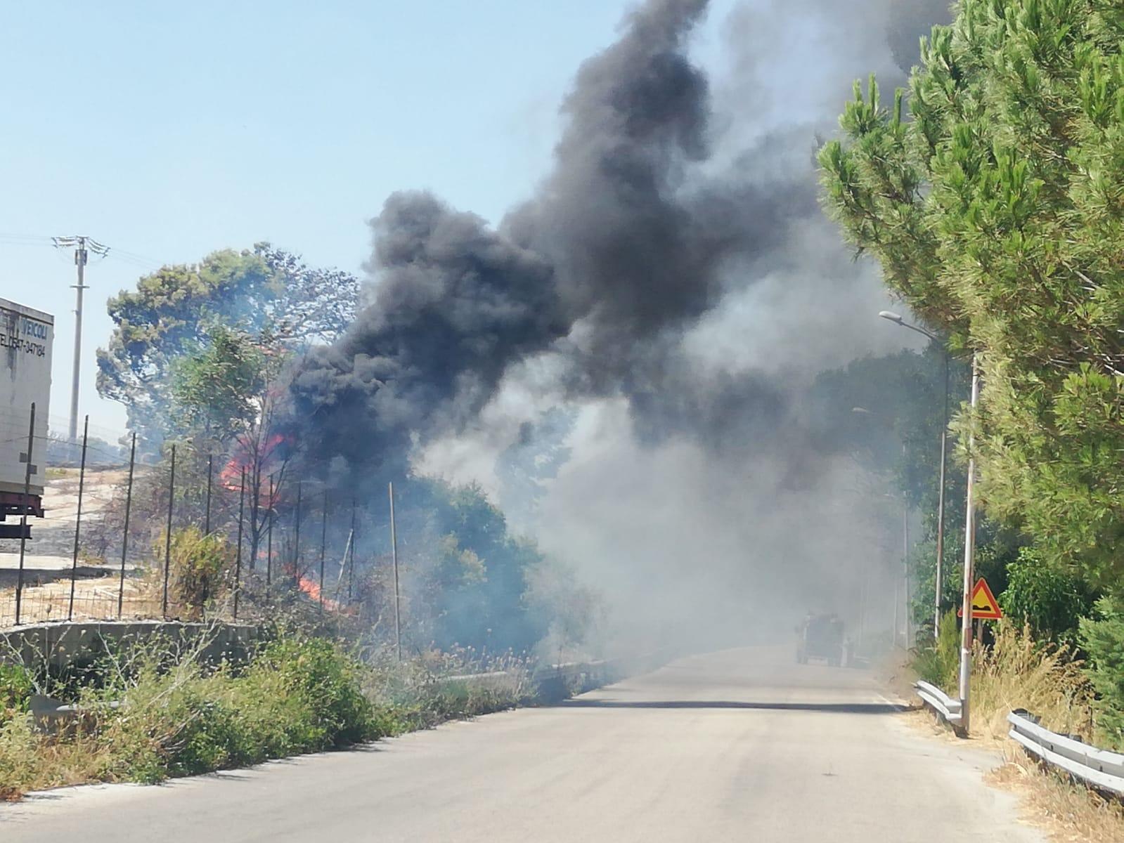 Incubo incendi tra Pioppo e Giacalone: tre i fronti di fuoco