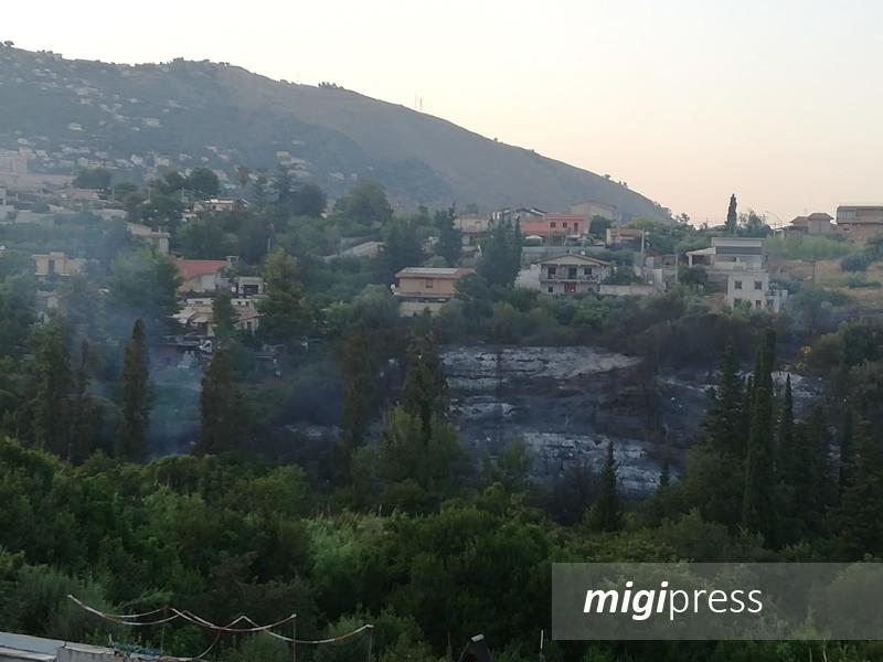Pomeriggio di paura in via Ponte Parco, fuoco a due passi dalle case