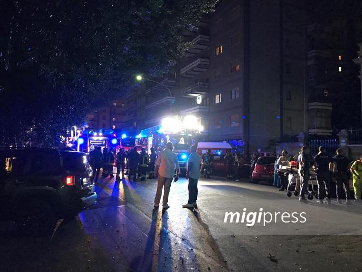 Esplode bombola di gas, panico e paura in piazza Leoni: tre feriti