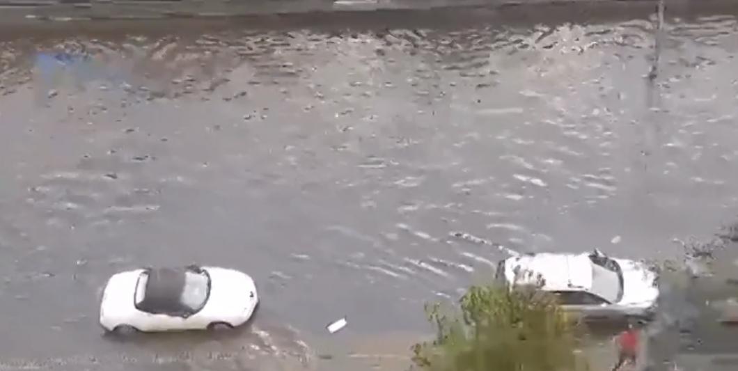 Maltempo, allagamenti e disagi, a Palermo strade chiuse e traffico in tilt