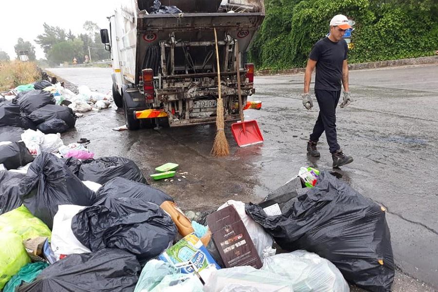 Intervento sulla SP 20: rimossi quintali di rifiuti abbandonati illegalmente