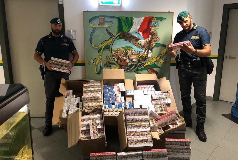 Contrabbando di sigarette, sequestrati 30 chili di tabacchi: tre denunciati